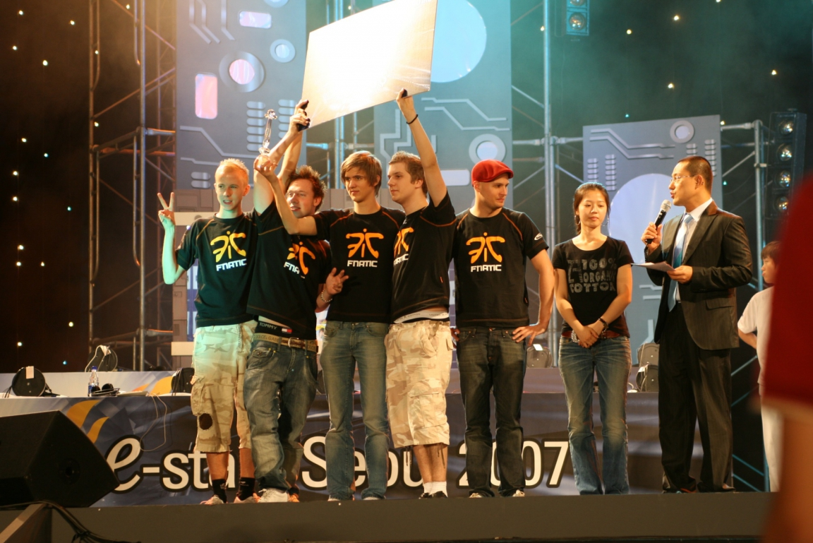 Fnatic during e-Stars Soul 2007. From the left: cArn, Archi, dsn, f0rest och ins.