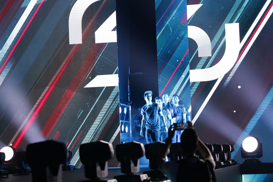 This was the first and last time SK Gaming walked to the Kraków Major stage.