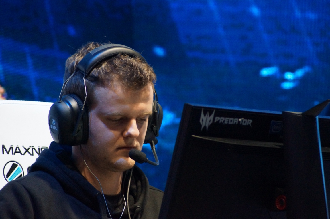 Xyp9x finished the series on 52-35 (+17)