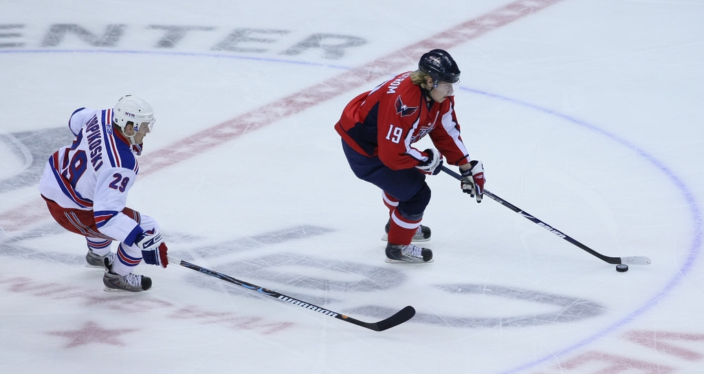 NHL-proffset Nicklas Bäckström är en av de Washington Capitals-spelare som har Ted Leonsis som ägare.
