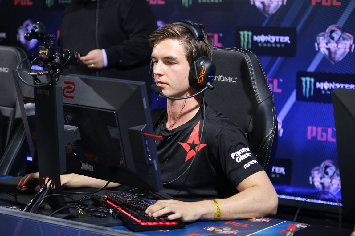 device had multiple multi-kill rounds which helped Astralis win crucial rounds on Cache