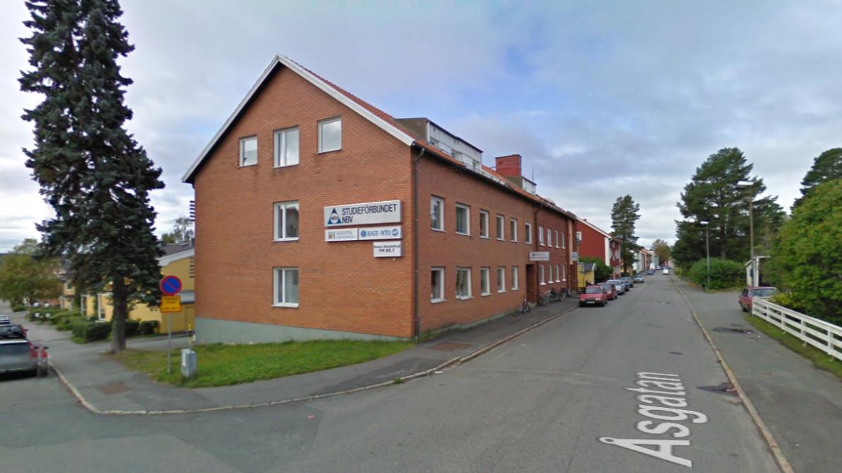 Det var här, på Åsgatan 24 i Skellefteå, som mitt nick började ta form. Foto: Google Maps