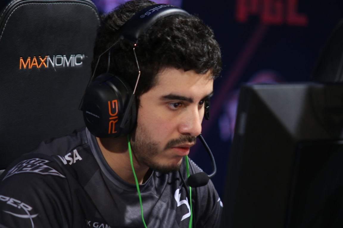 Coldzera finished the first half with an incredible score (23-3; 121 ADR)<br />