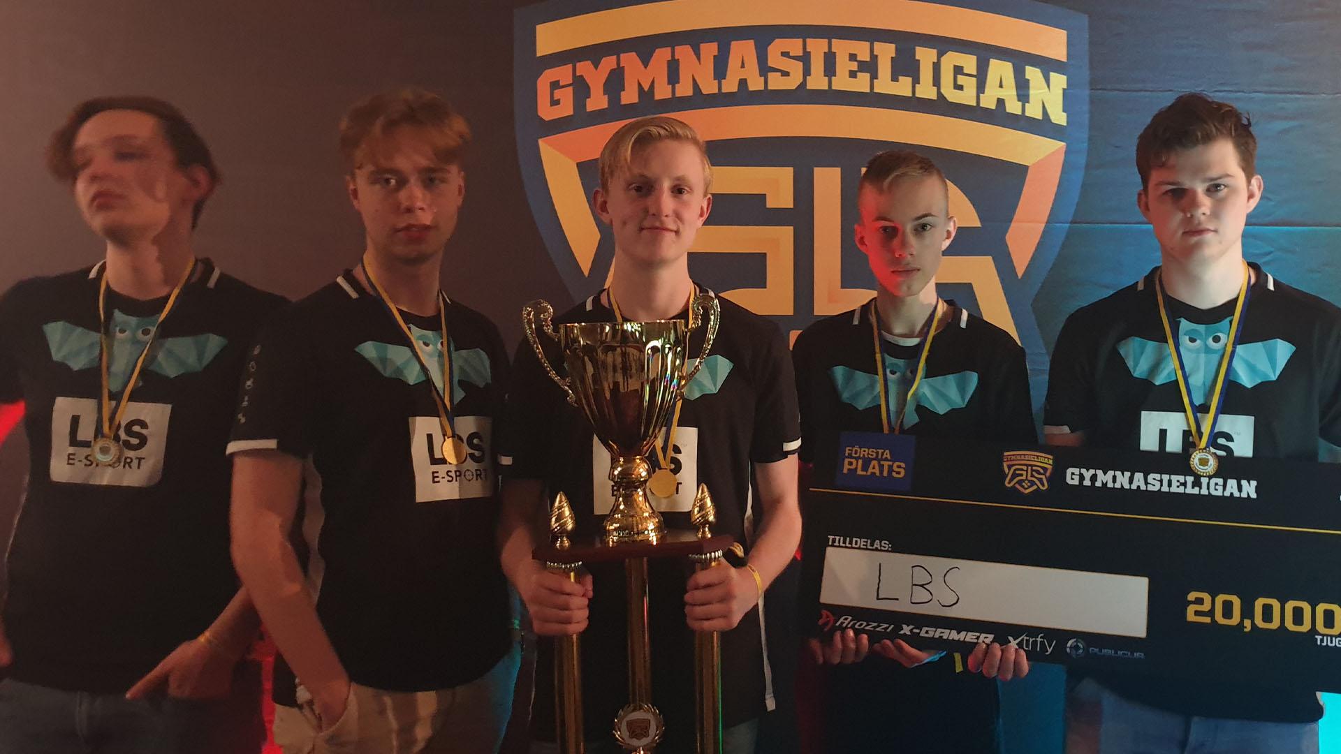 LNZ i mitten efter en vunnen gymnasieturnering