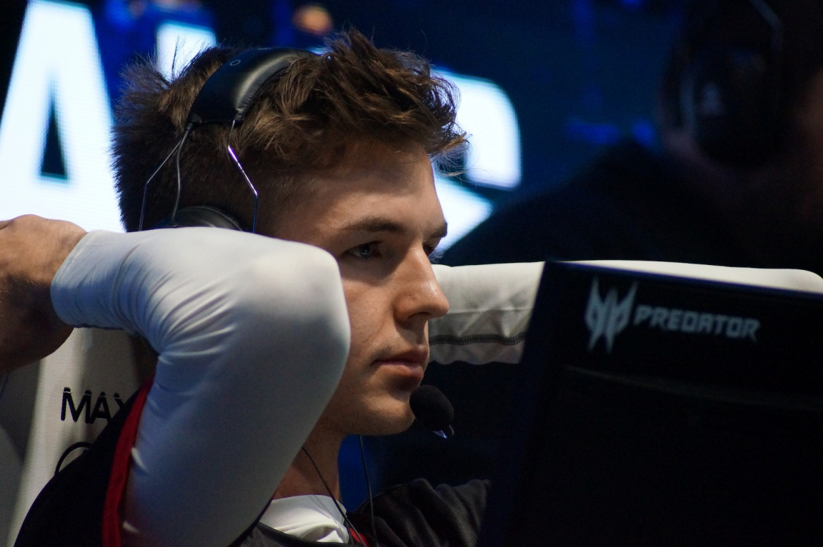 dev1ce failed to step up during the semifinals